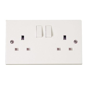 Scolmore Polar Switched Socket Outlet 2-Gang 2-Pole 13A