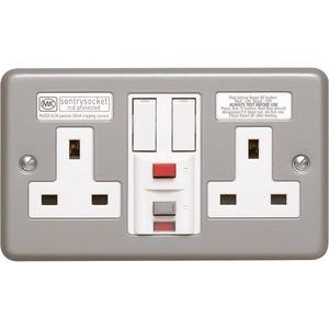 MK Electric Metalclad Plus Passive Circuit RCD Protected Socket 2-Gang 13A 30mA Aluminium