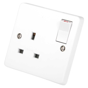 Crabtree Switched Socket Outlet 1-Gang 2-Pole 13A White