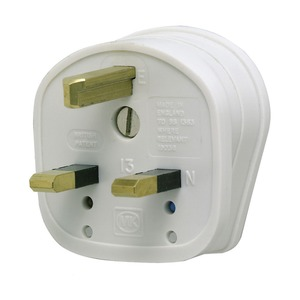 MK Electric Fused Safety Plug 3-Pin 13A White